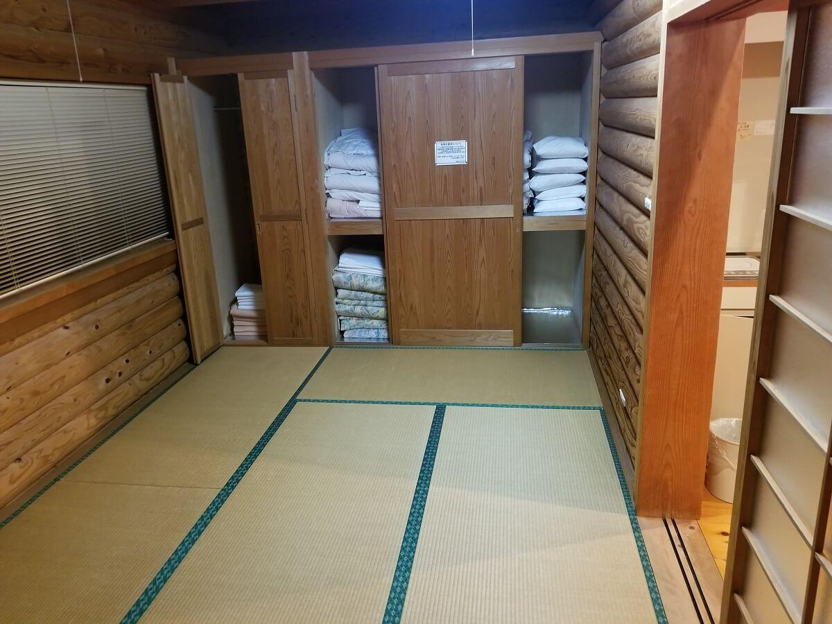 布団を敷いて寝られる和室の写真